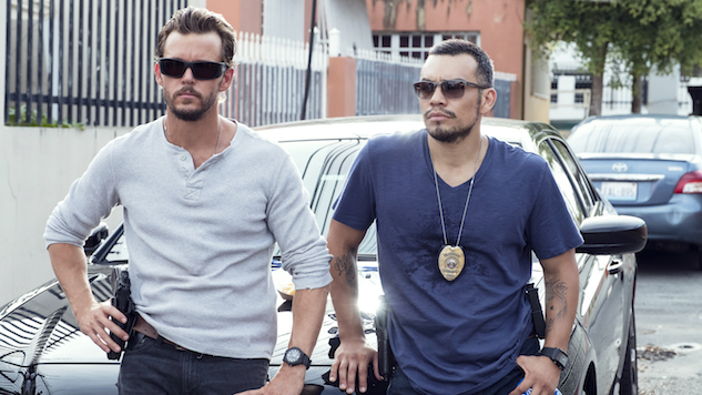 Hot Cops Break Bad in Crackle's Entertainingly Silly <i>The Oath</i>