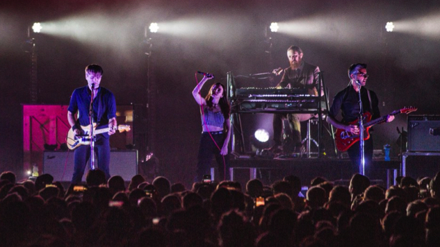 Watch CHVRCHES' Lauren Mayberry Join Death Cab for Cutie Onstage