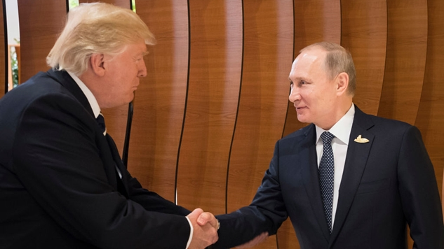"Trump's Advisers Warned Him in a Written Note, ""DO NOT CONGRATULATE"" Putin - Trump Did It Anyway"