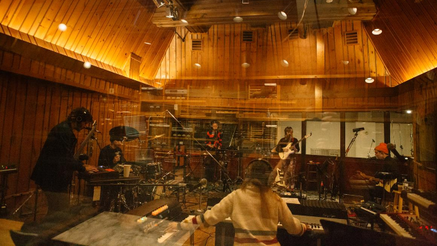 Dirty Projectors Share Live In-Studio Album <i>Sing The Melody</i>