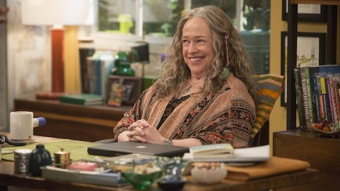 Netflix's <i>Disjointed</i> Could've Been a Dope Meta-Sitcom—If It Weren't So Damned Lazy