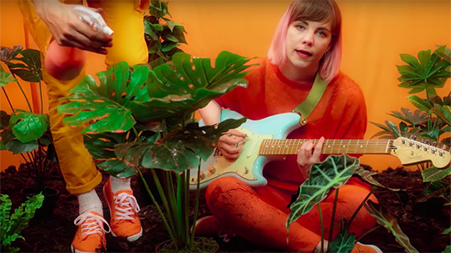 """London Trio Doe Share """"Heated,"""" The First Single From Forthcoming <i>Grow Into It</i>"""