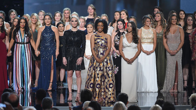 """Olympic Gymnast Aly Raisman and 141 Fellow """"Sister Survivors"""" Accept Courage Award at the ESPYS"""