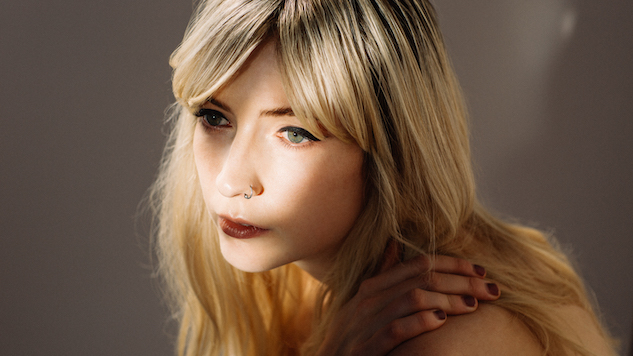 Ellis Announces Her Debut LP <i>Born Again</i>, Shares First Single &#8220;Fall Apart&#8221;