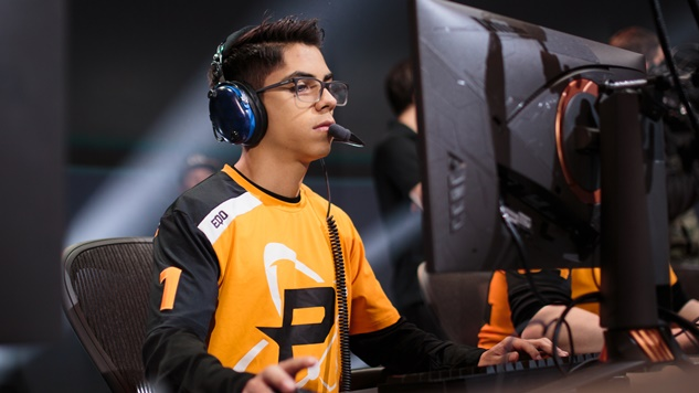 "<i>Overwatch</i> League's Josh ""Eqo"" Corona Faces Punishment for Slant-Eye Gesture"