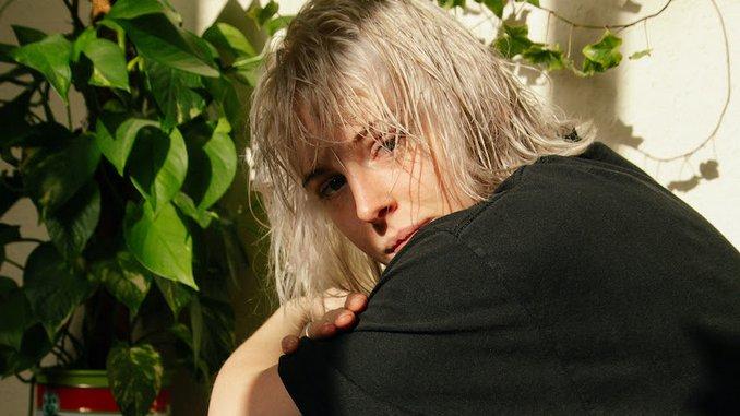 "Fenne Lily Releases Dreamy New Single ""Berlin"""