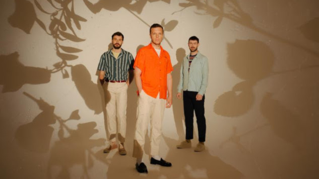 "Friendly Fires Announce Their First New Album in Eight Years, Share New Song ""Silhouettes"""