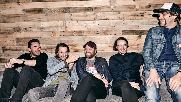 Frightened Rabbit to Release <i>The Midnight Organ Fight</i> Covers Album