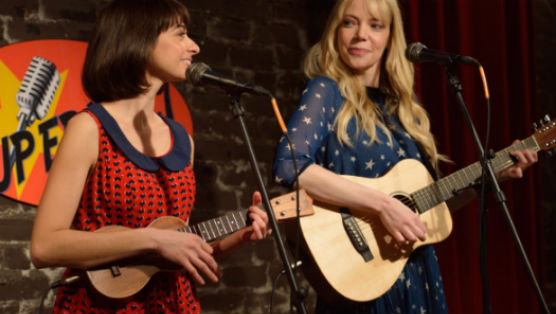 "<i>Garfunkel & Oates</i> Review: ""The Fadeaway"""