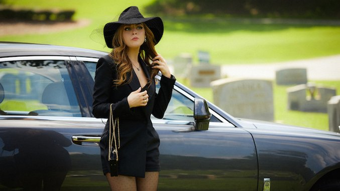 Elizabeth Gillies On Reviving Dynasty's Fallon Carrington ...