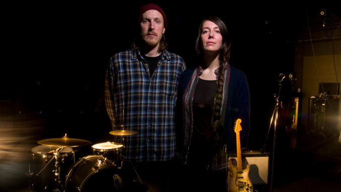 """Daily Dose: She Keeps Bees, """"Greasy Grass"""" (Premiere)"""