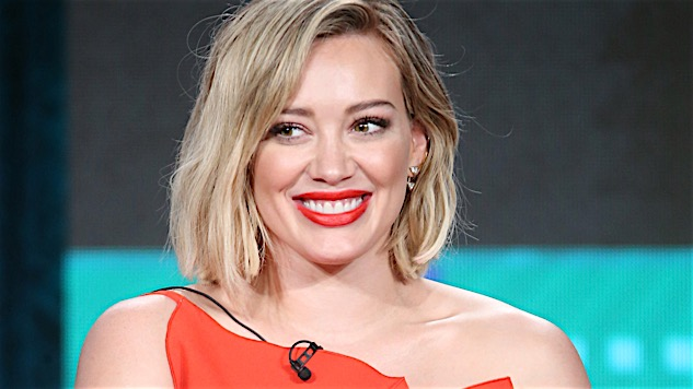 Hilary Duff Talks <i>Younger</i>, Growing Up on TV and Covering Fleetwood Mac