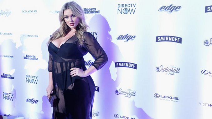 Model Hunter McGrady Talks <I>Sports Illustrated</I>, Media Labels and Exposing Her True Self