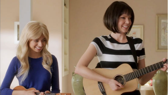 "<i>Garfunkel & Oates</i> Review: ""Hair Swap"""