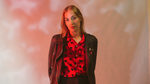 "Australian Sensation Hatchie Reveals Fun Visual for New Song ""Sugar & Spice"""