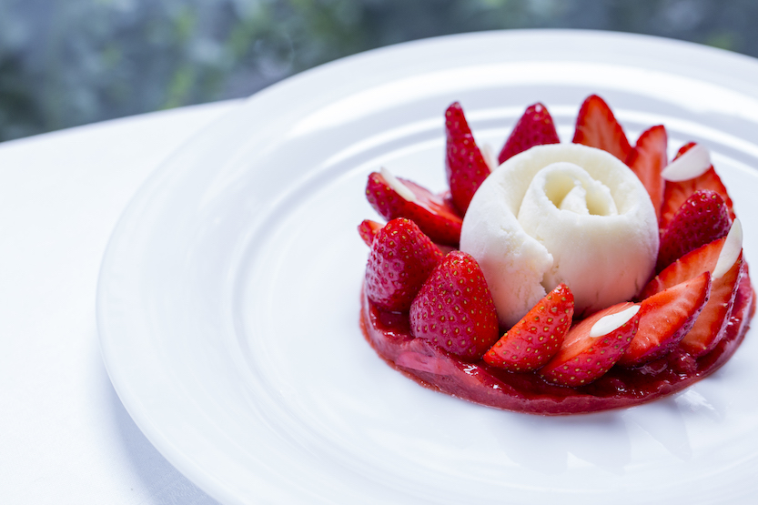 Hotel Plaza Athenee dessert courtest of P.Monetta.jpg