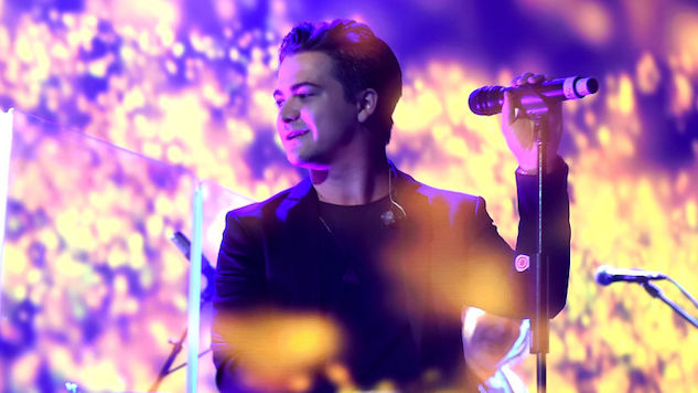 "Hunter Hayes' New Single ""Heartbreak"" Doesn't Linger in the Past"