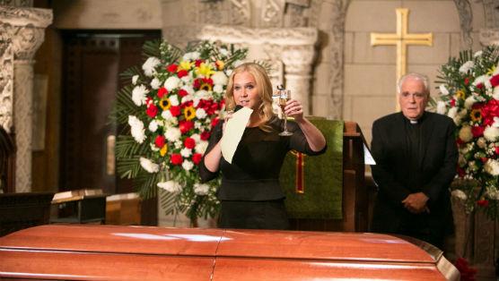"<i>Inside Amy Schumer</i> Review: ""Raise a Glass"""