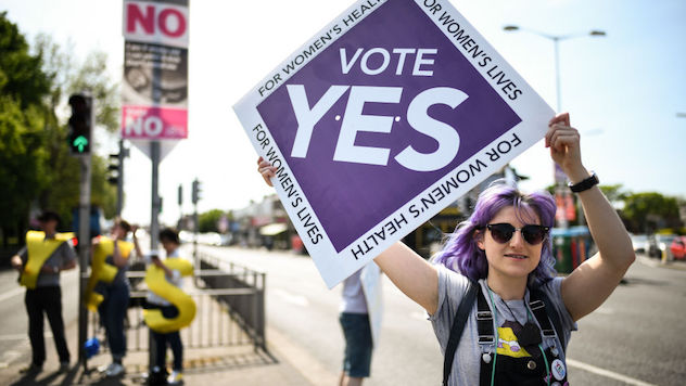 Irish Expats Travel #BackHomeToVote in Controversial Abortion Referendum
