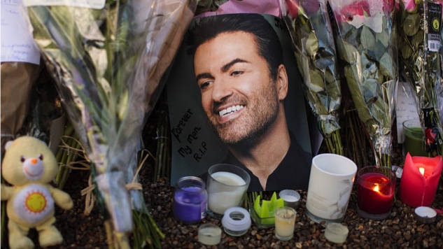 Read a Heartfelt Holiday Message From George Michael's Family