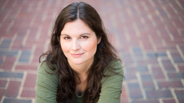 Child Star-Turned-Author Lisa Jakub Talks Leaving Hollywood, Dealing with Media as a Teen and Connecting with Your Audience