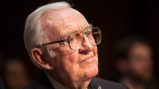 Retired Justice John Paul Stevens says don't confirm Kavanaugh