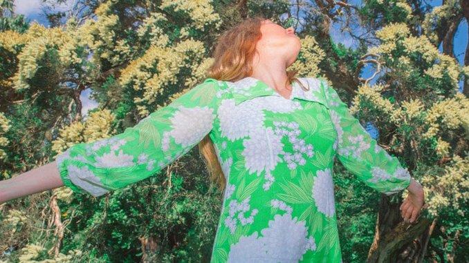 Julia Jacklin Shares New Split Single: Listen