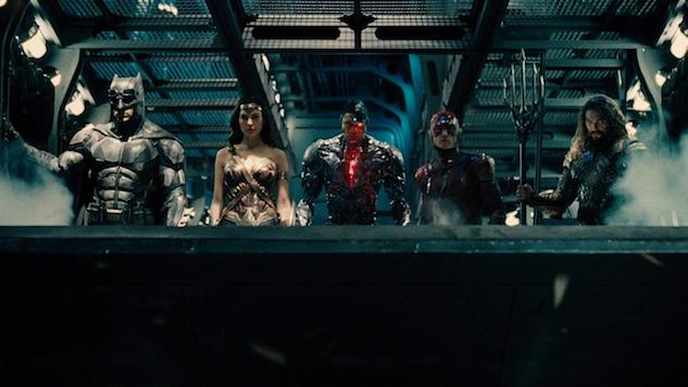 "Zack Snyder Fans Are Staging a Protest to Demand the Lost ""Snyder Cut"" of <i>Justice League</i>"
