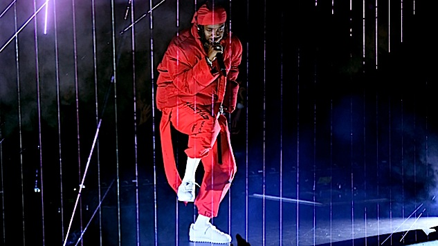 """Kendrick Lamar Opens the VMAs With """"DNA"""" and """"HUMBLE"""": Watch"""