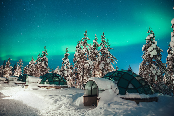 Kakslauttanen_Glass_Igloo.jpg