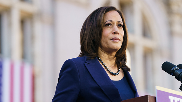 Kamala Harris Throws Support Behind the Green New Deal