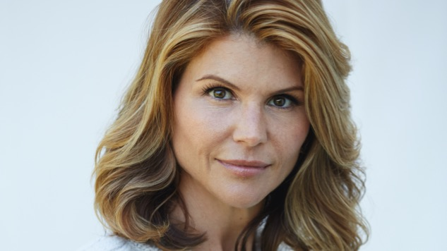 Lori Loughlin Talks <i>Fuller House</i>, <i>When Calls the Heart</i> and TV Critics