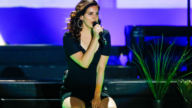 Lana Del Rey defends decision to play Israeli festival