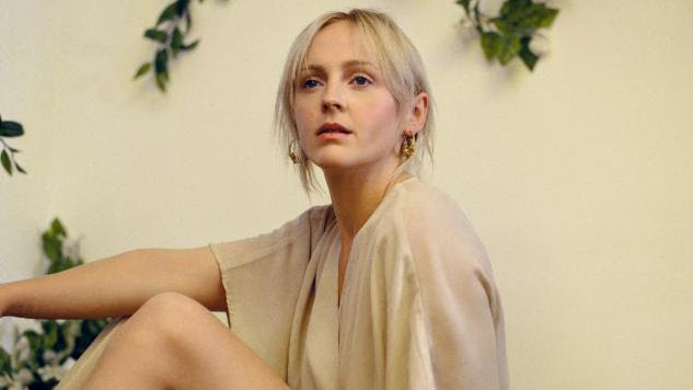 "Listen: Laura Marling Covers Bob Dylan's ""A Hard Rain's a-Gonna Fall"" for <i>Peaky Blinders</i>"