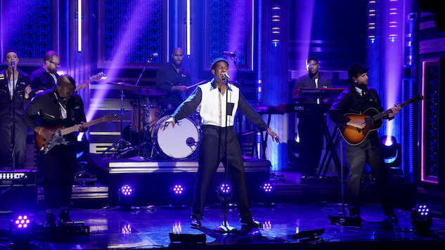 "Watch Leon Bridges Go Above and ""Beyond"" on <i>Fallon</i>"
