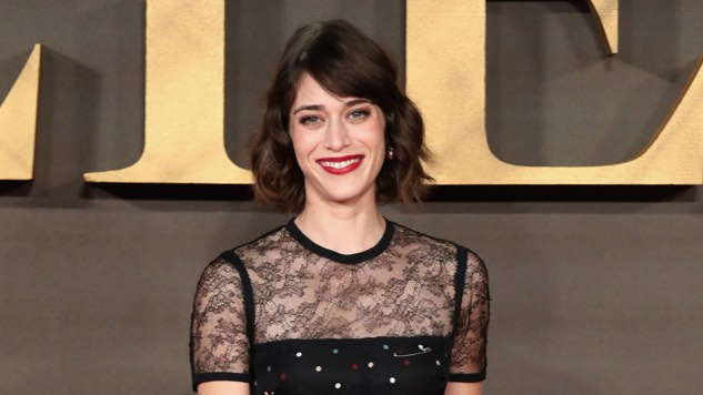 Lizzy Caplan in Talks to Join Gore Verbinski's <i>Gambit</i>