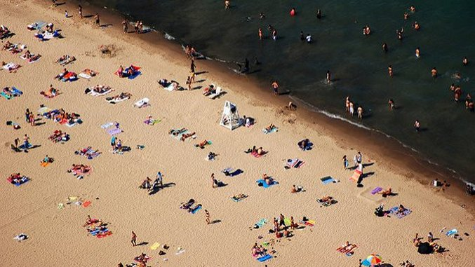 <i>Bucket List</i>: 7 Summer Ways to Enjoy Chicago' Lake Michigan