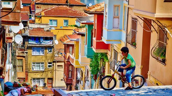 The Bucket List: 7 Colorful Cities Around the World