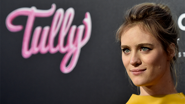 Mackenzie Davis in Talks to Star with Kristen Stewart in Rom-Com <i>Happiest Season</i>