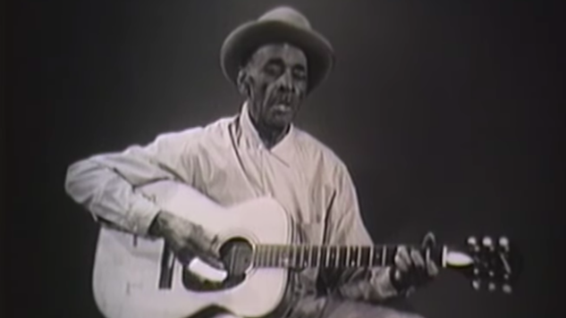 Listen to Mance Lipscomb Sing the Blues on This Day in 1964