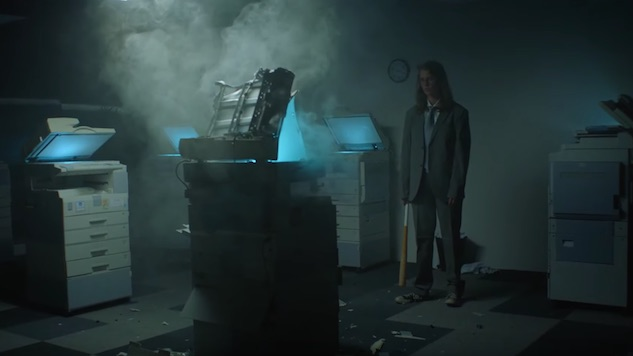 "Marika Hackman Goes Ham on Some Copiers for ""the one"" Video"