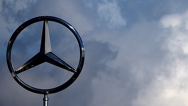 Now Trump Has a Beef Against Mercedes-Benz, May Ban German Luxury Cars