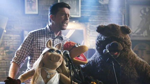 <i>The Muppets</i> Review:  &#8220;Pig Out&#8221;