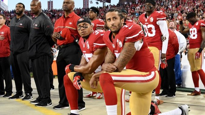 NFL Players Didn't Stand For the Anthem Before 2009. Then Things Got All Patriotic (tm).