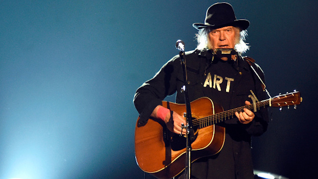 Watch Neil Young Perform With Crazy Horse on This Day in 1994