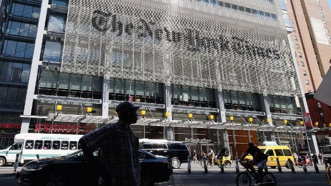 """<i>New York Times</i> Writer Defends White House """"Comms,"""" Catches Holy Internet Hell"""
