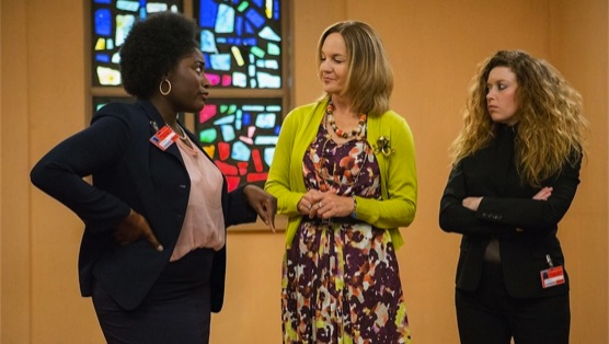 <i>Orange is the New Black</i> Review: &#8220;Looks Blue, Tastes Red&#8221;