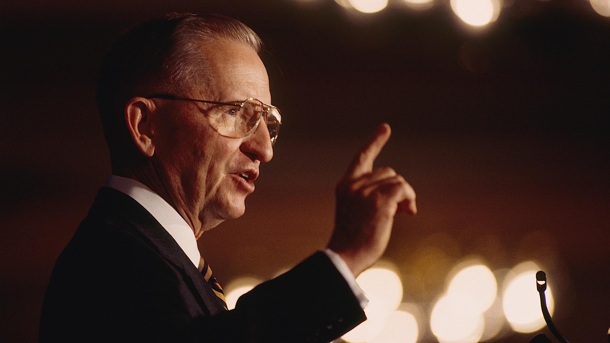 Ross Perot Dies at 89