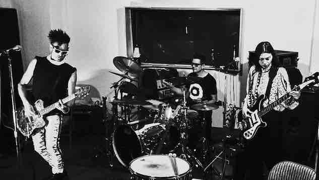 "Poptone (ex-Bauhaus/Love & Rockets) Shares ""Go!"" From Forthcoming Album"