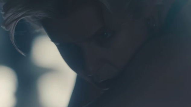 "Robyn Releases Diverse, Twitter-Cast Music Video for ""Honey"""